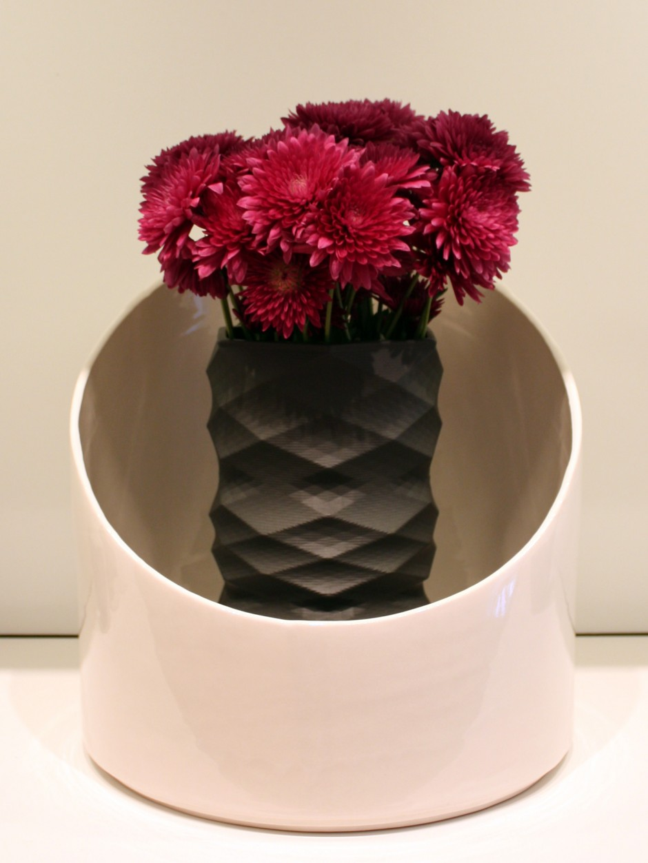 BlackVase in White Vase-v2